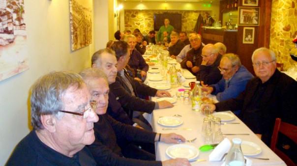 Με απόλυτη επιτυχία πραγματοποιήθηκε η εκδήλωση κοπής της Πρωτοχρονιάτικης πίτας των Παλαιμάχων ποδοσφαιριστών του Α.Ο.Κ.  στην ταβέρνα «Ο Σπύρος»