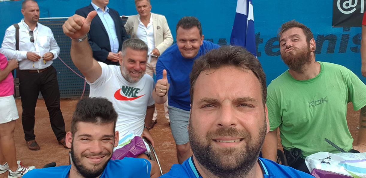 Τένις με αμαξίδιο: Με πολύ σημαντικές εμπειρίες γύρισαν από τη Ρουμανία οι καβαλιώτες αθλητές