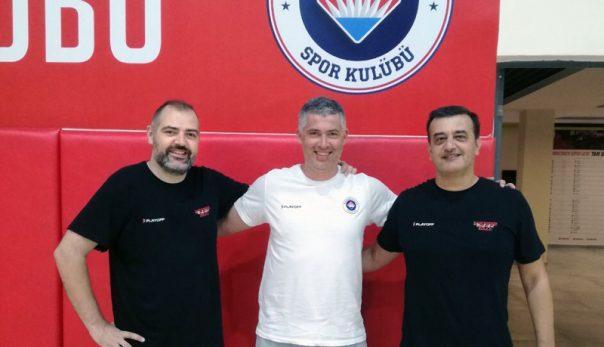 Στην προετοιμασίας της Τουρκικής Μπαχτσεσεχίρ βρέθηκε ο προπονητής της Ένωσης Καβάλας Νίκος Πενταζίδης